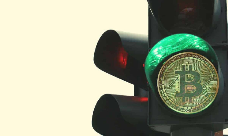 Green Weekend: Bitcoin Breaks Above $33K, Up 15% in 5 Days